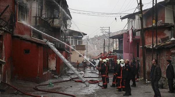 Ankara'da 6 gecekondu kül oldu