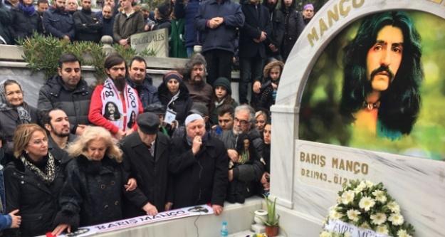 Barış Manço, mezarı başında anıldı