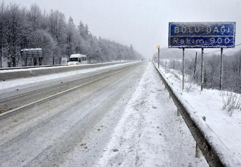 Bolu Dağı'nda kar sürprizi
