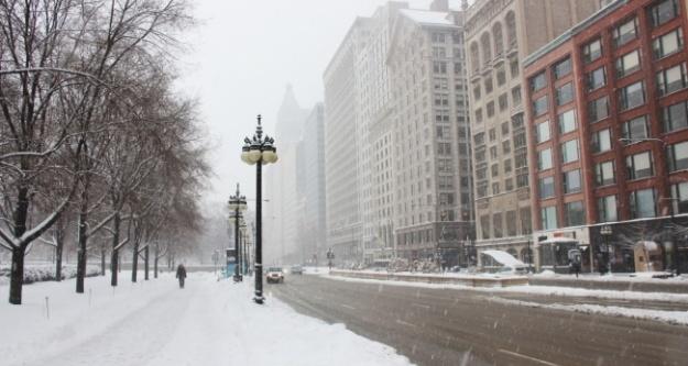 Chicago'yu kar fırtınası vurdu