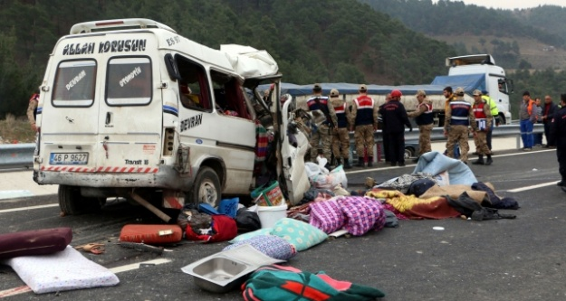 Kahramanmaraş'ta feci kaza: 8 ölü, 8 yaralı