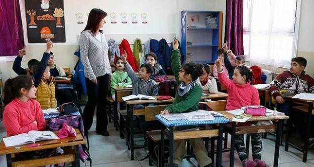 Bu yıl 25 bin öğretmen alınacak