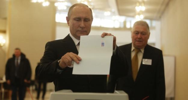 Rusya'da halk sandık başında