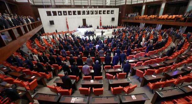 CHP'den 15 vekil İYİ Parti'ye geçti