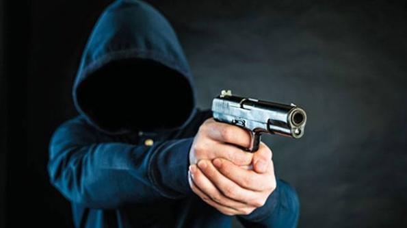 Sevgilisini tabancayla vurarak öldürdü