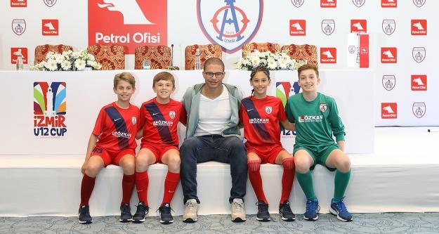 U12 İzmir Cup'ın başlama vuruşu Alex'ten
