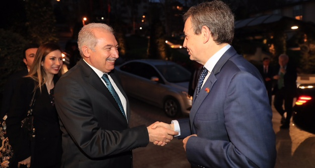 Zapatero: Barış için Türkiye#039;ye ihtiyaç var