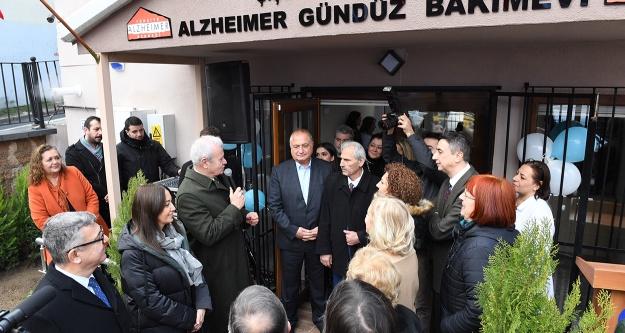 Alzheimer Gündüz Yaşam Evi yenilendi