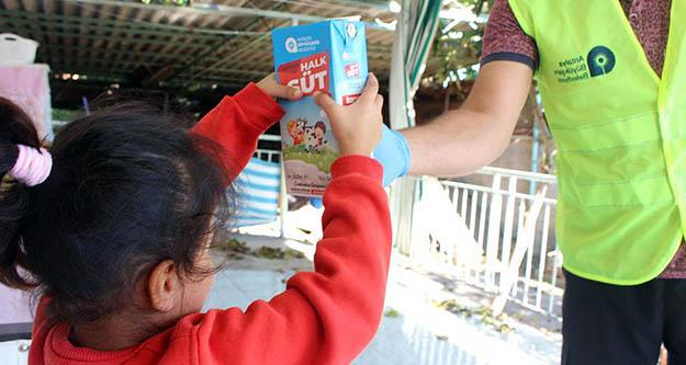 Alanya'da 6 ayda 17 bin 672 litre süt   dağıtıldı