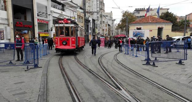 İstiklal Caddesinde sağdan yürüyüşler başladı