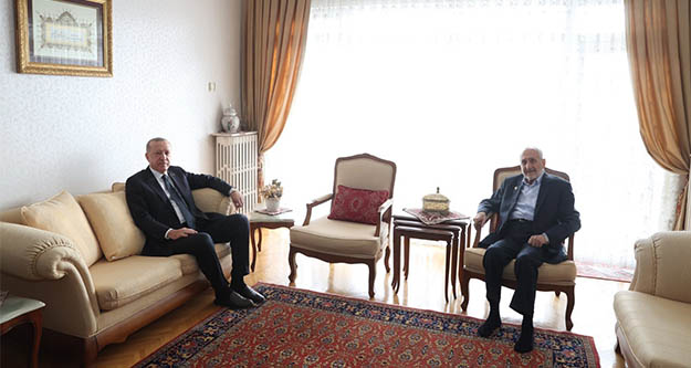 Erdoğan,Oğuzhan Asilturk'ü evinde ziyaret etti