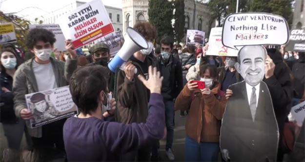 İstanbul Üniversitesi'nden  Boğaziçi 'ne destek: Kayyum değil seçim istiyoruz