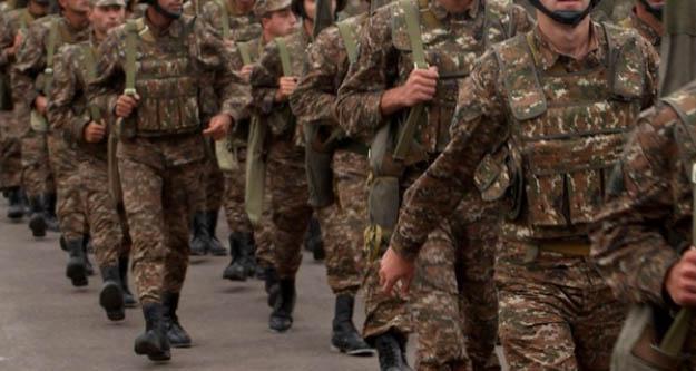 Ermenistan'da ordu hükümeti istifaya çağırdı