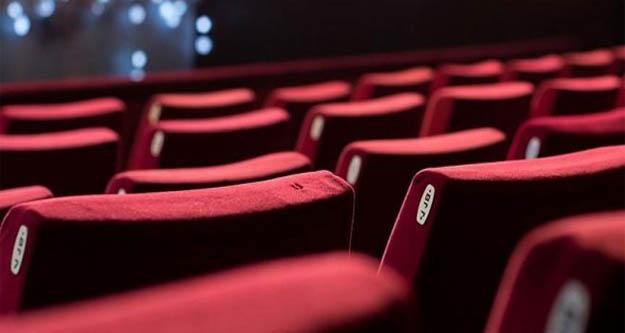 İzmir#039;de sinema salonları açılış tarihleri ertlendi