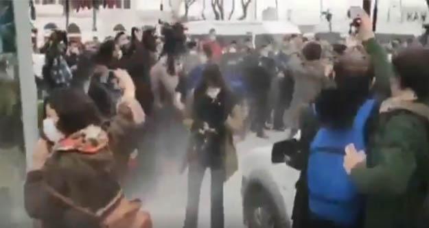 Kadıköy'deki Boğaziçi öğrencilerin eylemine polis müdahalesi