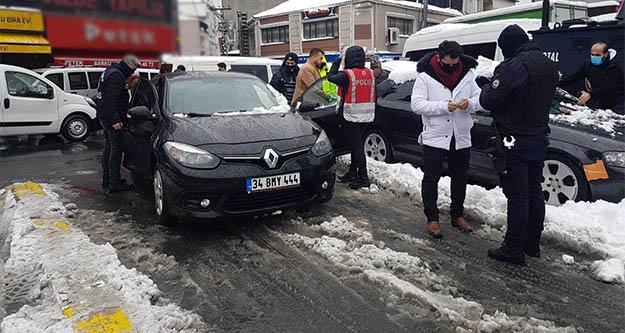 Okmeydanı'nda giriş çıkışlar kapatıldı  araçlar didik didik arandı