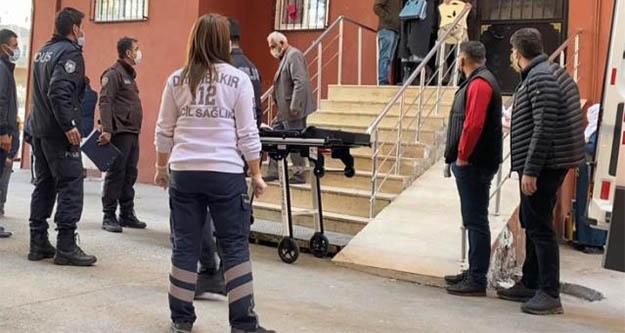 2 çocuk annesi, boğazına sarılı yazmayla evde ölü bulundu