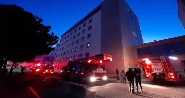 İstanbulr'da korkutan hastane yangını