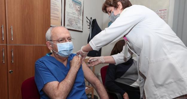 Kılıçdaroğlu corona aşısının ikinci dozunu yaptırdı