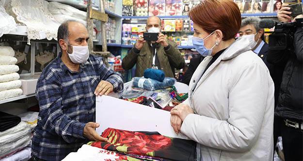 Midyat'ın esnafı Akşener'e dert yandı: Bu sıkıntılar ne olacak
