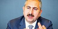 Gül: Adalet Bakanı'nın hakim, savcı cübbesi yoktur