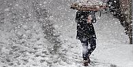 İstanbul'da yoğun kar yağışı başladı 7 bin personel sahada olacak