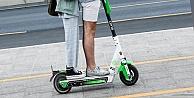 E-scootera iki kişi binenler para cezası ödeyecek