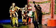 Bornova Belediyesi Şehir Tiyatrosu'na 6 ödül birden