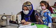 Mersinli kadınlar dikiş kursunda emeklerini ilmek ilmek işliyor