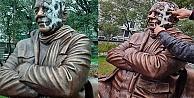 Gazeteci Bekir Coşkun'nun heykeline çirkin saldırı