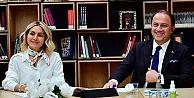 """Türkiye'de Kadın Olmak"""" konulu panel düzenledi."""
