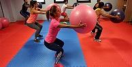 Yenimahalle'de yüzme ve spor kursları açılıyor
